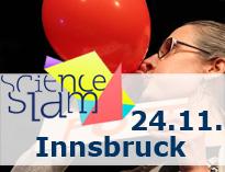 Frau die Luftballon aufbläst mit dem Schriftzug: Science Slam 24.11. Innsbruck
