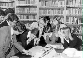 Walter Methlagl mit Studierenden
