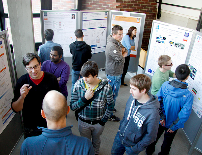 posterday-physik2015_800x612.jpg
