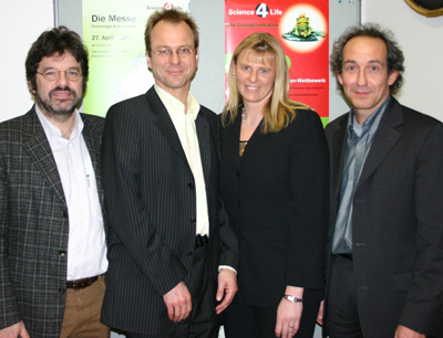v.l.: Dr. Uwe Gerlach (Science4Life), DDr. Peter Kayatz (AlcaSynn), Christiane Wohlers (Science4Life), Dr. Ludwig Weiss (CAST).