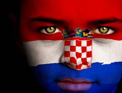 Symbolbild: Gesicht mit aufgemalener Kroatien-Flagge ©istockphoto.com